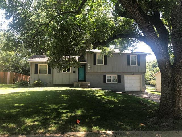 9001 W 71st Street, Merriam, KS 66204 (#2177484) :: Team Real Estate