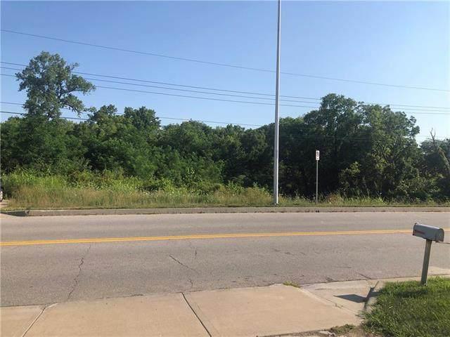 10111 NW Barry Road, Kansas City, MO 64153 (#2177576) :: Dani Beyer Real Estate