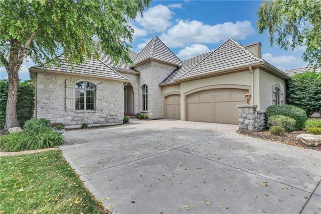 13920 Nicklaus Drive, Overland Park, KS 66223 (#2178920) :: Clemons Home Team/ReMax Innovations