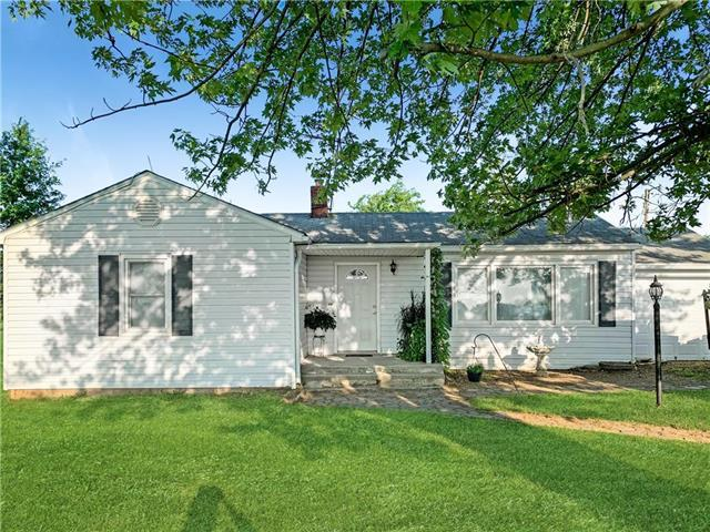 19024 Nolker Road, Rayville, MO 64084 (#2178971) :: Shane Griffin Group