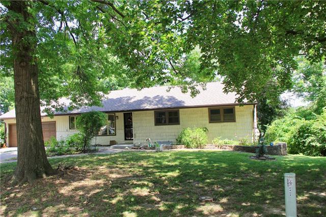 2402 NW Osage Circle, Riverside, MO 64150 (#2179227) :: Dani Beyer Real Estate
