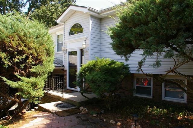24087 Loring Road, Lawrence, KS 66044 (#2179229) :: House of Couse Group
