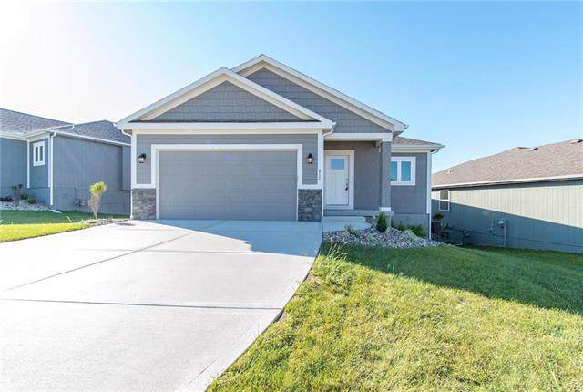613 NW 109th Terrace, Kansas City, MO 64155 (#2179941) :: Eric Craig Real Estate Team