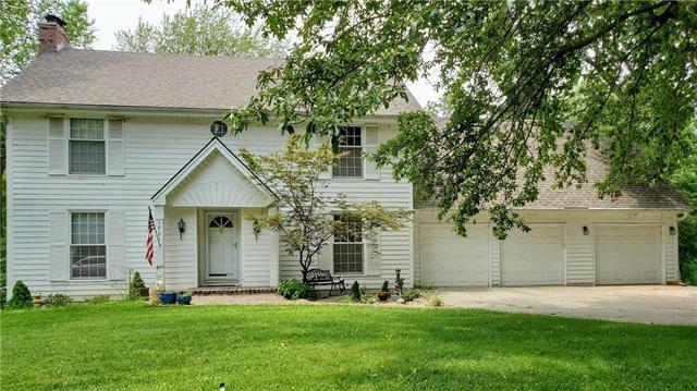 1701 NW Deer Run Trail, Blue Springs, MO 64015 (#2180707) :: Kansas City Homes