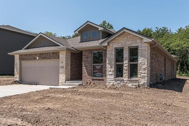 4742 Lakecrest Drive, Shawnee, KS 66218 (#2181427) :: Eric Craig Real Estate Team