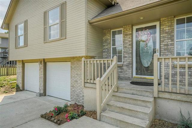 914 SW Foxtail Drive, Grain Valley, MO 64029 (#2181520) :: Ask Cathy Marketing Group, LLC