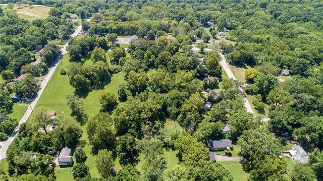 8660 E 26th Street, Kansas City, MO 64129 (#2181527) :: Kansas City Homes