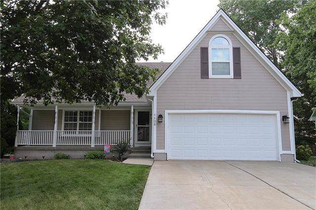 1108 SE Country Lane, Lee's Summit, MO 64081 (#2181893) :: Ask Cathy Marketing Group, LLC