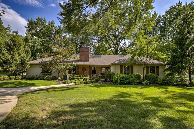 9300 Pawnee Lane, Leawood, KS 66206 (#2182458) :: Eric Craig Real Estate Team