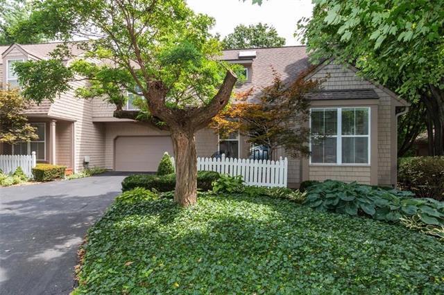 4016 W 79 Street, Prairie Village, KS 66208 (#2182565) :: NestWork Homes