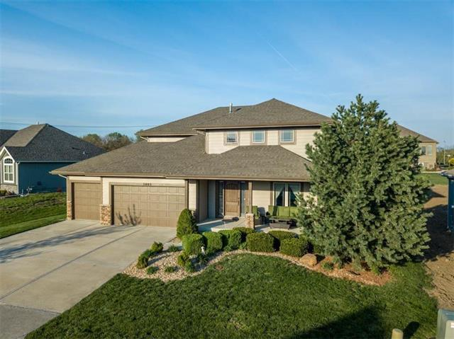 5003 N 143rd Street, Basehor, KS 66007 (#2182584) :: Kansas City Homes
