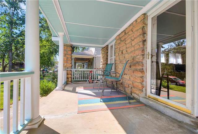 3918 Harrison Street, Kansas City, MO 64110 (#2186799) :: House of Couse Group