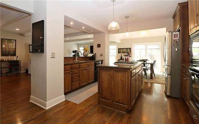4325 W 112th Street, Leawood, KS 66211 (#2186825) :: Eric Craig Real Estate Team