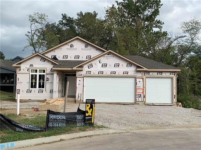 717 Riverwood Drive, Liberty, MO 64068 (#2187768) :: Clemons Home Team/ReMax Innovations