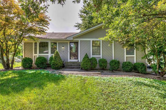 1313 NE 114th Terrace, Kansas City, MO 64155 (#2188597) :: Dani Beyer Real Estate