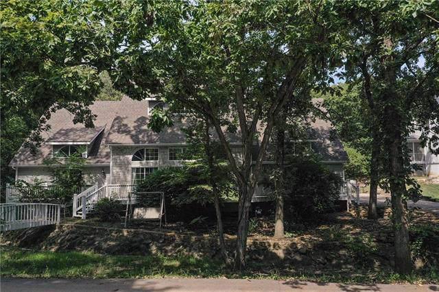 20906 Whispering Drive, Lenexa, KS 66220 (#2188621) :: Kansas City Homes
