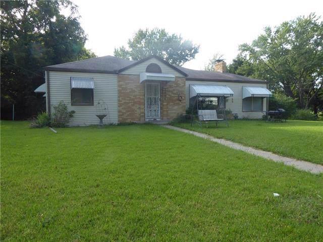3006 N 55TH Street, Kansas City, KS 66104 (#2188672) :: Clemons Home Team/ReMax Innovations
