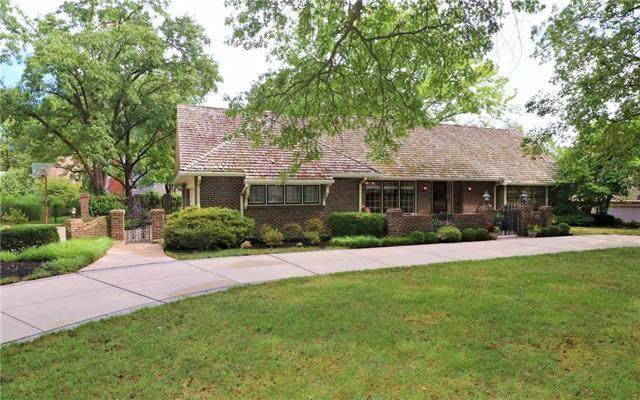 5204 W 84th Street, Prairie Village, KS 66207 (#2188706) :: House of Couse Group