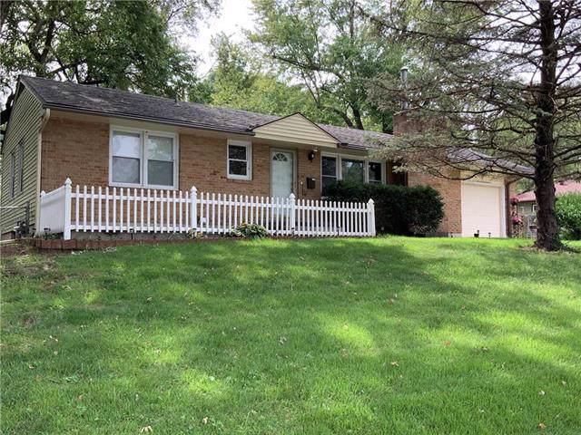 203 NE 67th Terrace, Kansas City, MO 64118 (#2189151) :: House of Couse Group