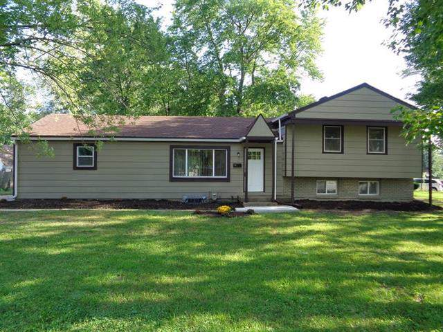 409 NE Florence Avenue, Lee's Summit, MO 64063 (#2189455) :: Clemons Home Team/ReMax Innovations