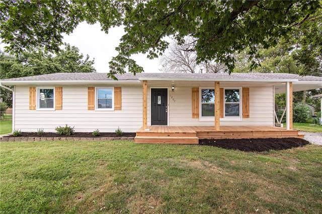 1207 Main Street, Paola, KS 66071 (#2189843) :: Kansas City Homes