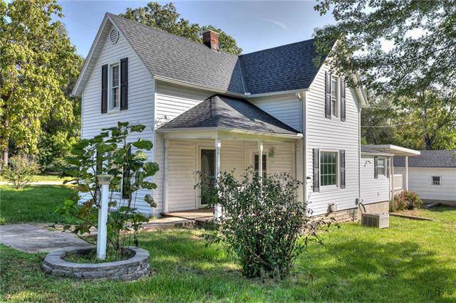 704 N Clark Street, Edgerton, MO 64444 (#2190537) :: Clemons Home Team/ReMax Innovations