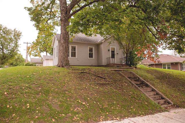 809 S 5th Street, Atchison, KS 66002 (#2191462) :: Clemons Home Team/ReMax Innovations