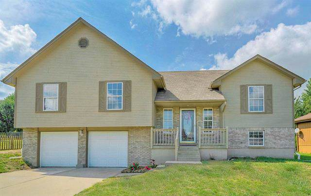 914 SW Foxtail Drive, Grain Valley, MO 64029 (#2191678) :: Ask Cathy Marketing Group, LLC