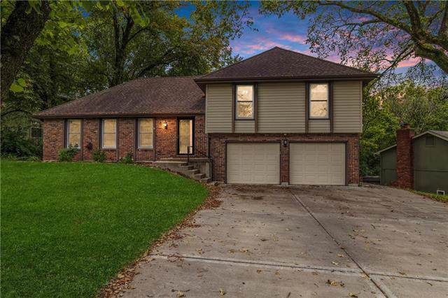 4504 NW Pawnee Drive, Riverside, MO 64150 (#2191775) :: The Shannon Lyon Group - ReeceNichols