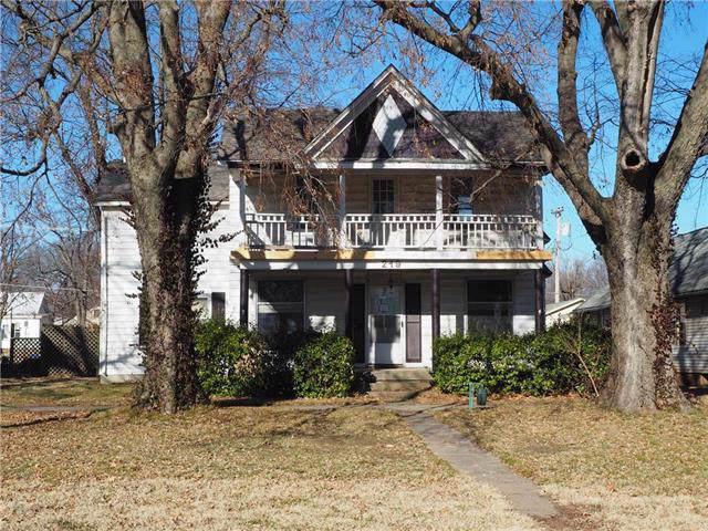 219 E 4th Avenue, Garnett, KS 66032 (#2192862) :: The Shannon Lyon Group - ReeceNichols