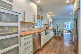 2001 W 97th Street, Leawood, KS 66206 (#2193351) :: Kansas City Homes