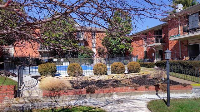 8221 Santa Fe Drive #11, Overland Park, KS 66204 (#2193619) :: Eric Craig Real Estate Team