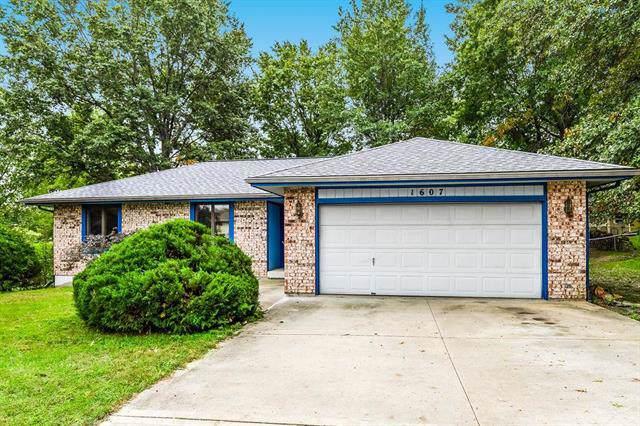 1607 NE 113th Street, Kansas City, MO 64155 (#2194205) :: Kansas City Homes