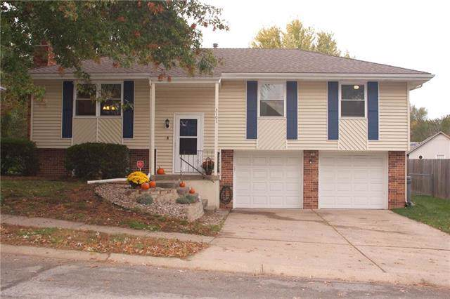 3101 SW Jackson Street, Blue Springs, MO 64015 (#2194530) :: Team Real Estate