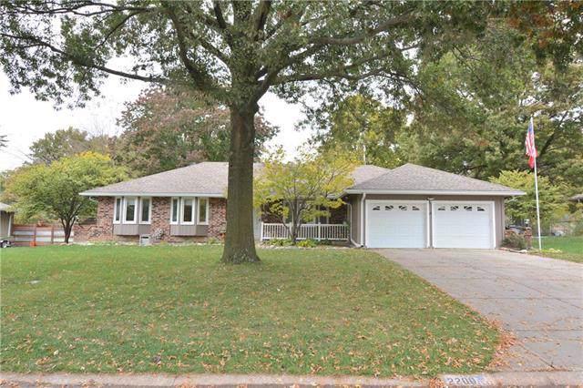 2200 Meadowlark Drive, Harrisonville, MO 64701 (#2194570) :: Clemons Home Team/ReMax Innovations