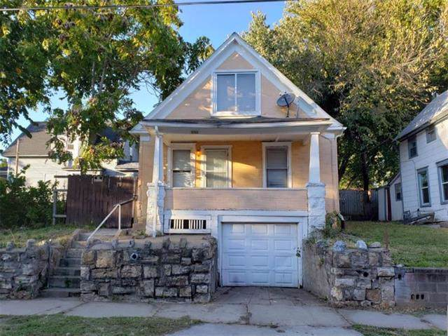 5704 Scarritt Avenue, Kansas City, MO 64123 (#2194574) :: Clemons Home Team/ReMax Innovations