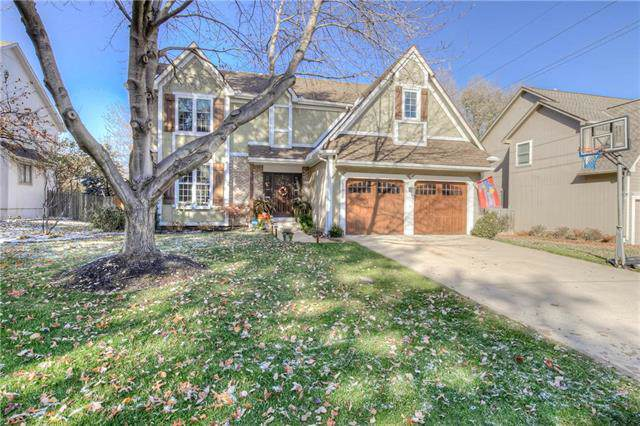 9810 W 129th Street, Overland Park, KS 66213 (#2197532) :: Dani Beyer Real Estate