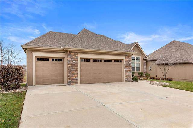 1101 NW 94th Street, Kansas City, MO 64155 (#2197855) :: House of Couse Group