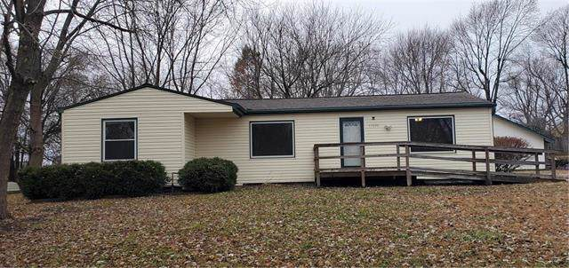 17230 Montgall Drive, Belton, MO 64012 (#2198366) :: Clemons Home Team/ReMax Innovations