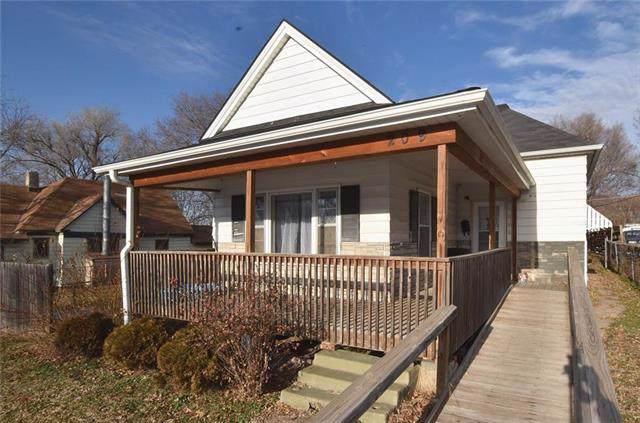 209 W Nebraska Avenue, St Joseph, MO 64504 (#2198563) :: Eric Craig Real Estate Team