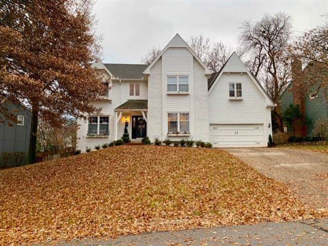 4945 W 129th Terrace, Leawood, KS 66209 (#2198580) :: House of Couse Group