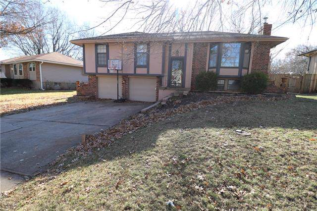 516 NE Stonewall Drive, Blue Springs, MO 64014 (#2199921) :: Clemons Home Team/ReMax Innovations