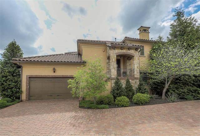 3206 W 137th Street, Leawood, KS 66224 (#2200684) :: Dani Beyer Real Estate