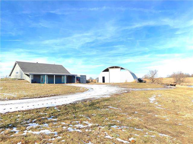 5721 NW Far West Drive, Kingston, MO 64650 (#2200772) :: Edie Waters Network