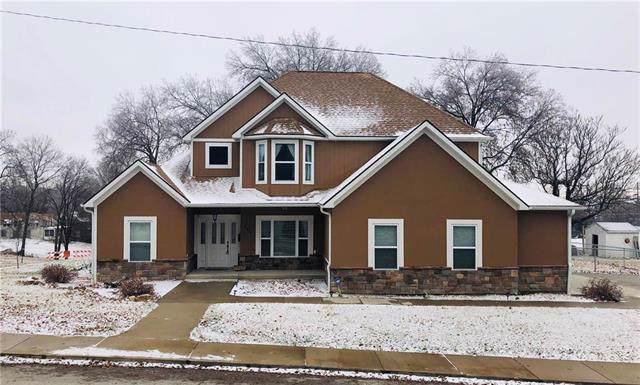 320 N 11th Street, Atchison, KS 66002 (#2201141) :: Eric Craig Real Estate Team