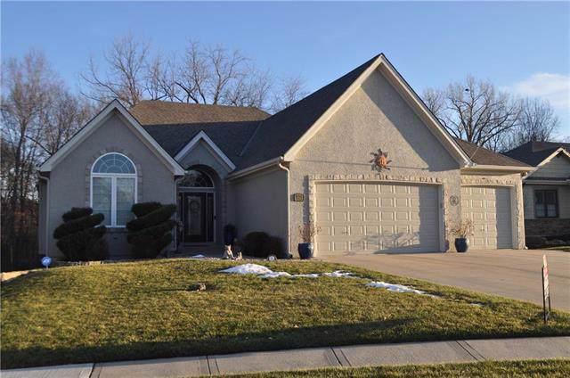 18303 Belinda Drive, Smithville, MO 64089 (#2201323) :: Edie Waters Network