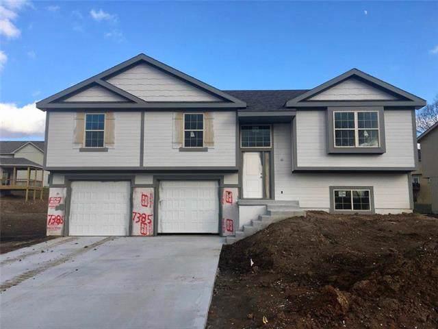 7385 N Everton Avenue, Kansas City, MO 64152 (#2201950) :: Eric Craig Real Estate Team