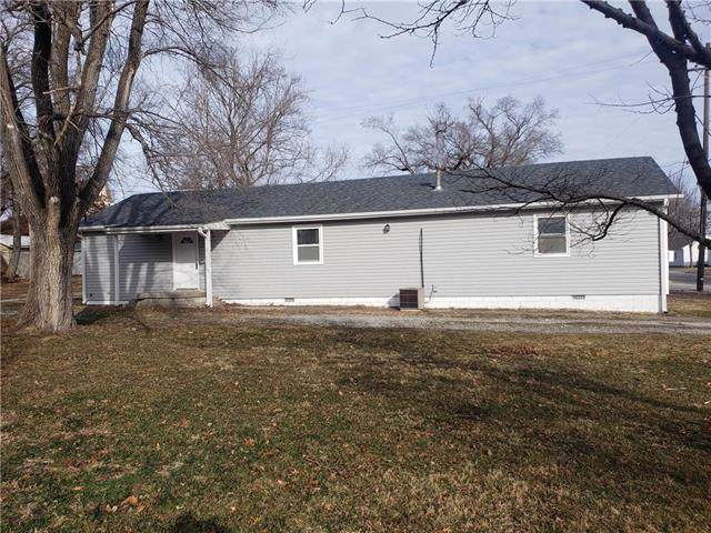410 E 2nd Street, Edgerton, KS 66021 (#2202328) :: Eric Craig Real Estate Team
