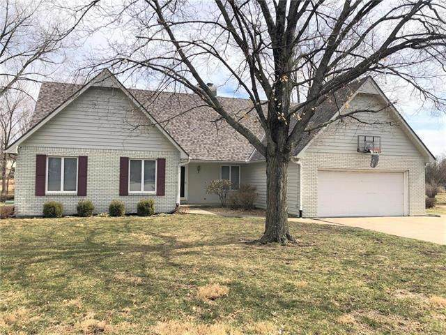 9 S Courtney Drive, Butler, MO 64730 (#2202430) :: Team Real Estate