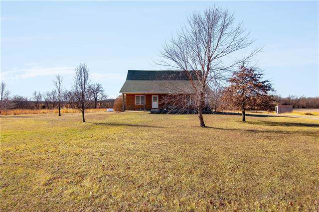 10580 Paine Road, Mound City, KS 66056 (#2202576) :: House of Couse Group